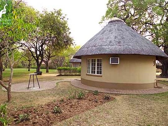 Nasionale Krugerwildtuin Akkommodasie by SANParks Malelane Rest Camp | LekkeSlaap