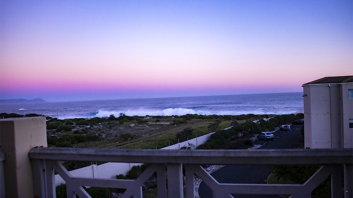 by Hermanus Beach Club Apartment | LekkeSlaap