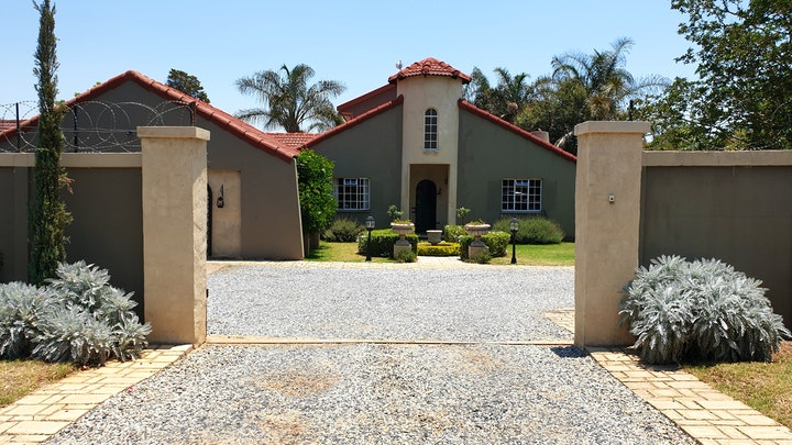 Pretoria East Accommodation at Nouveau Studios | TravelGround