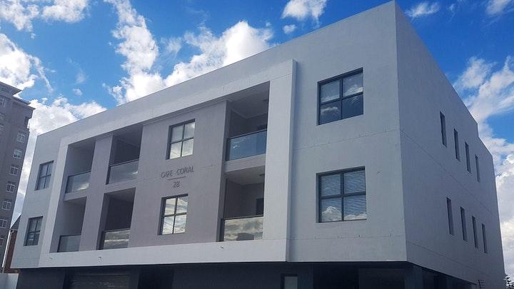 by Coral Road 2-bedroom Apartment | LekkeSlaap