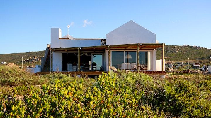 Sandy Point Akkommodasie by Montserrat Oceanfront Beach Villa | LekkeSlaap