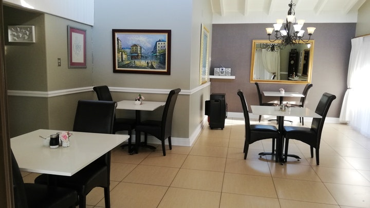 Florida Hills Accommodation at Gold Crest Guesthouse | TravelGround