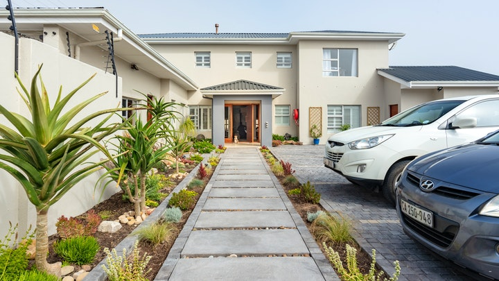 Bloubergstrand Accommodation at Bentley's Guesthouse | TravelGround