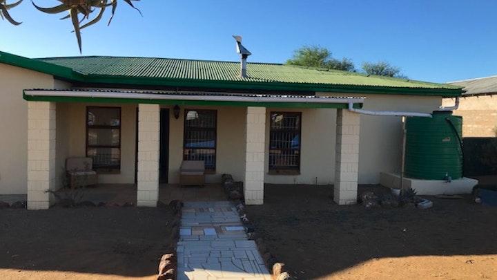 Loeriesfontein Akkommodasie by Die Kokerboom Selfsorg Eenheid | LekkeSlaap