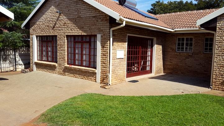 Wilkoppies Accommodation at Dahlene's Guest House | TravelGround