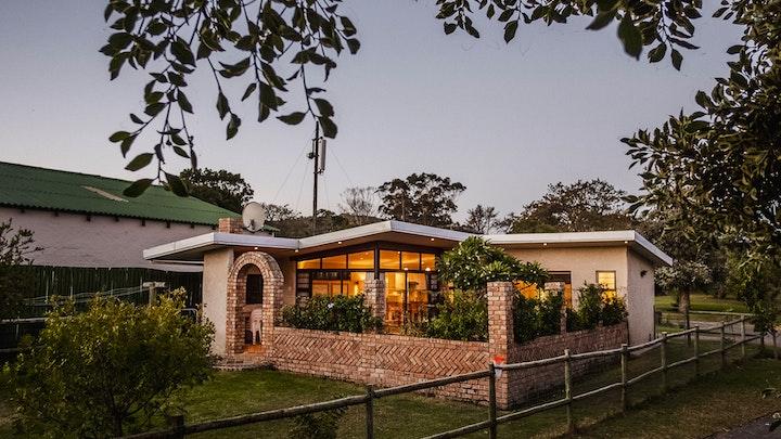Chelsea Conservancy Accommodation at Sandpebbles Estate | TravelGround