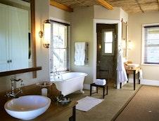 Karoo suite bathroom
