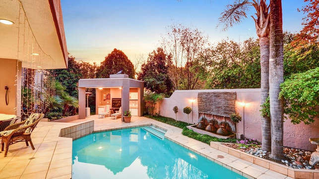 by Le Petit Fillan Luxury Guest House   LekkeSlaap