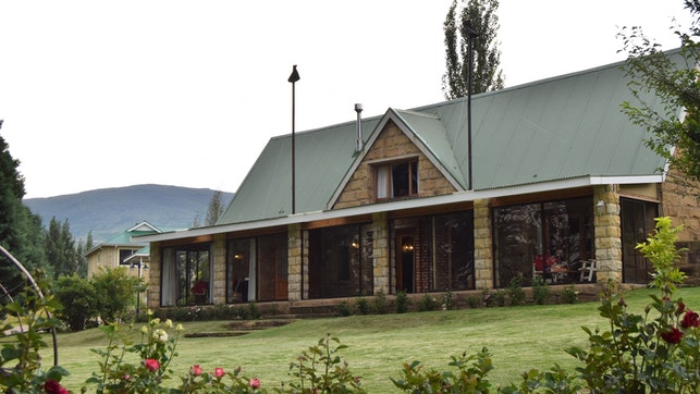 by The Clarens Country House   LekkeSlaap
