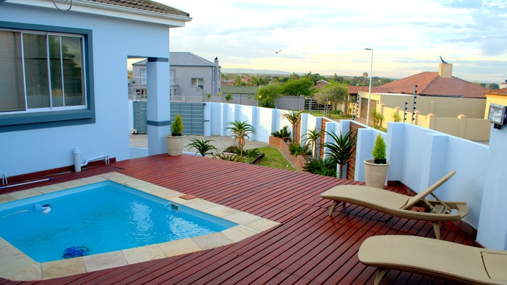 Theescombe Accommodation at Kamma Heights Guest House | TravelGround