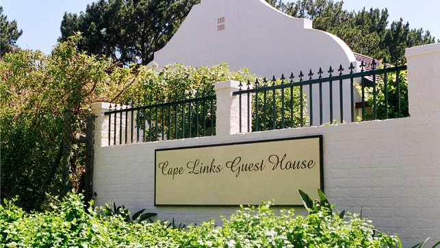 by Cape Links Guest House | LekkeSlaap