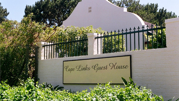 by Cape Links Guest House | LekkeSlaap