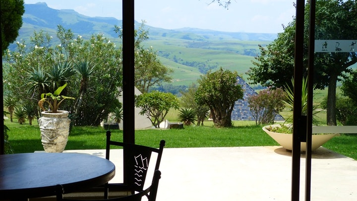 Van Reenens Pass  Accommodation at Pyramids Motel | TravelGround