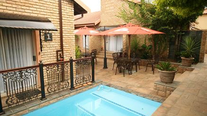 Meyersdal Accommodation at Le Cozmo Guest House   TravelGround