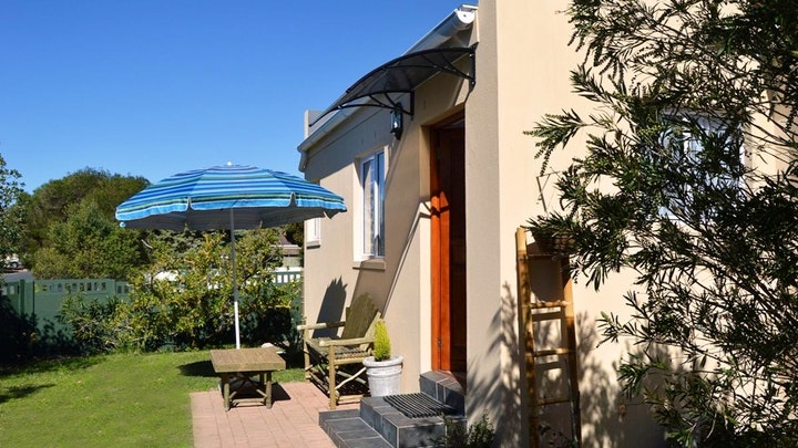 by Canary Cottages | LekkeSlaap