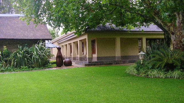 by Readman Gastehuis Lodge | LekkeSlaap
