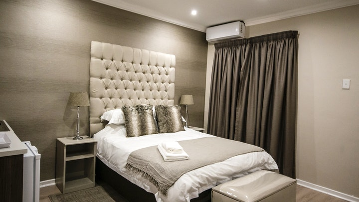 Flamwood Accommodation at The Royal Guest House | TravelGround
