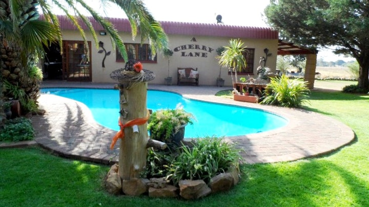 Driehoek Akkommodasie by A Cherry Lane Self-Catering and B&B | LekkeSlaap
