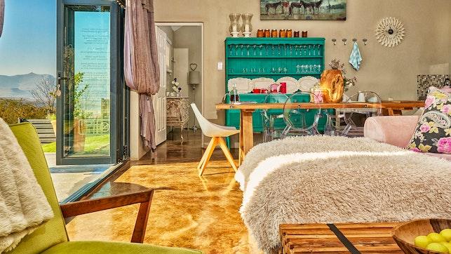 by Lola's Luxury Self-Catering Accommodation   LekkeSlaap