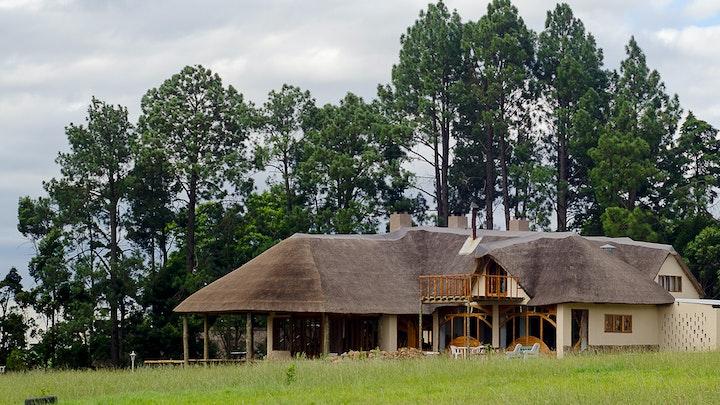 Sentraal Drakensberge Akkommodasie by Antbear Drakensberg Lodge | LekkeSlaap