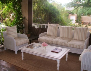 Outdoor verandah lounge