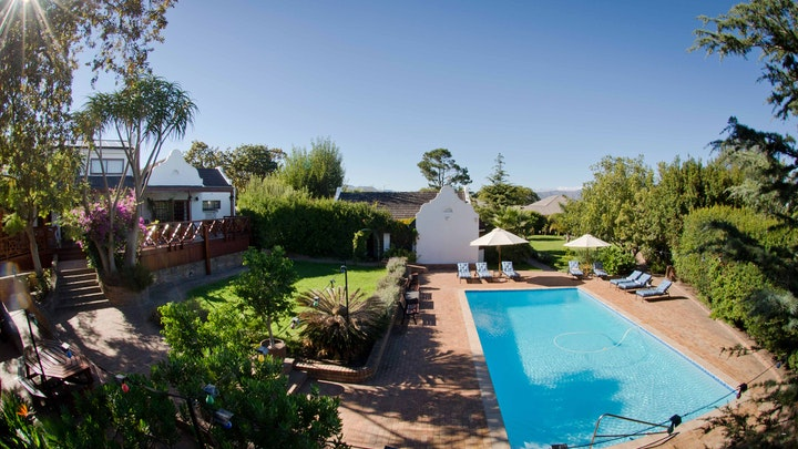 The Links Accommodation at At Winkfield House | TravelGround