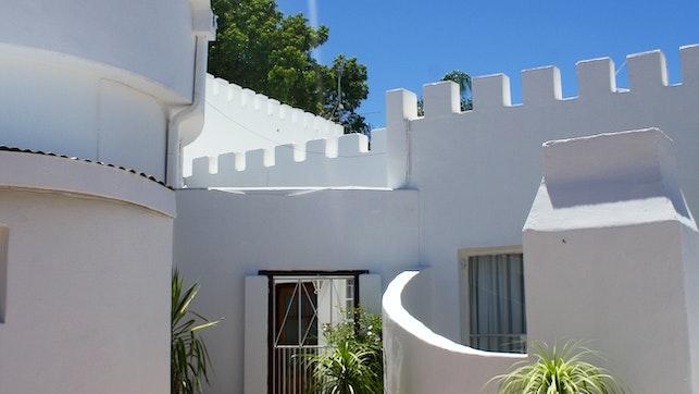 by A Chateau de Lux Guest House | LekkeSlaap