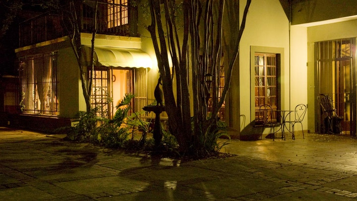 Eastwood Accommodation at FernIvy Guest House | TravelGround