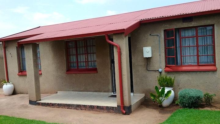 by Zizwe Guest House | LekkeSlaap