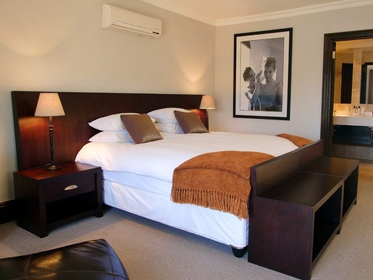 Oranjezicht Accommodation at Cape Riviera Guesthouse | TravelGround