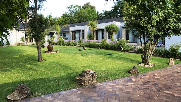 Sandton Akkommodasie by 6 On Morris Guest Lodge | LekkeSlaap