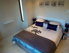 Queen size bedroom downstairs