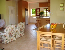 open plan lounge /dining room /kitchen
