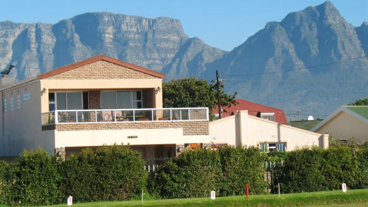 Southern Suburbs Accommodation at Haus Anhauser | TravelGround