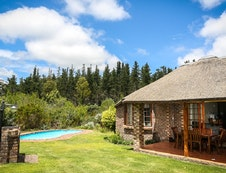 Two bedroom cottage with private pool