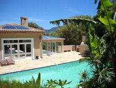Hout Bay Self Catering - pool 2