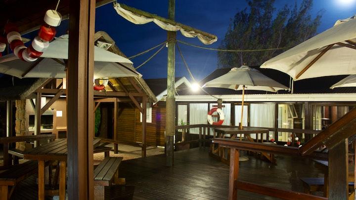 Wavecrest Akkommodasie by Bay Cove Inn   LekkeSlaap