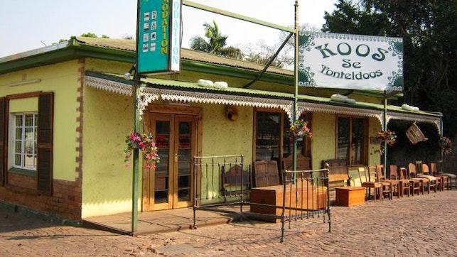 at Koos se Tonteldoos | TravelGround
