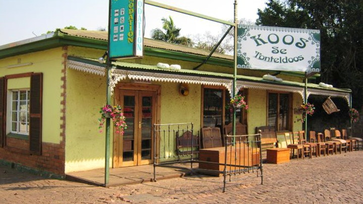 at Koos se Tonteldoos | TravelGround