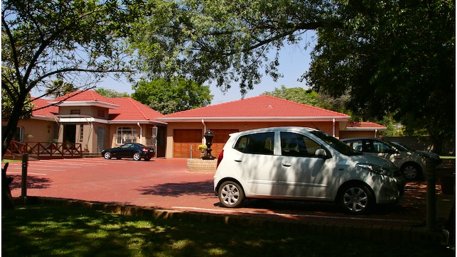 at Aalwyns Guest House | TravelGround