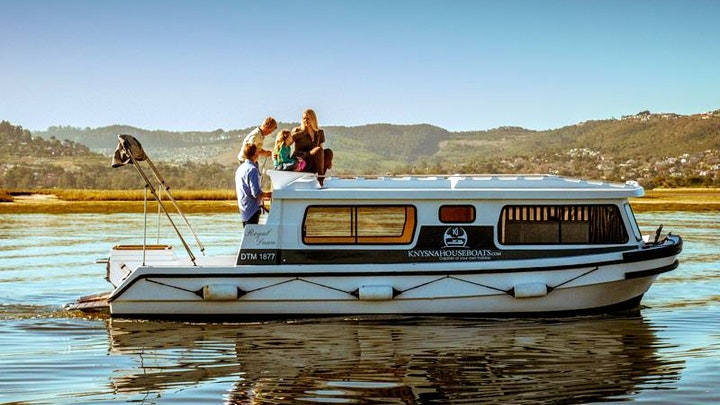 by Knysna Houseboats | LekkeSlaap