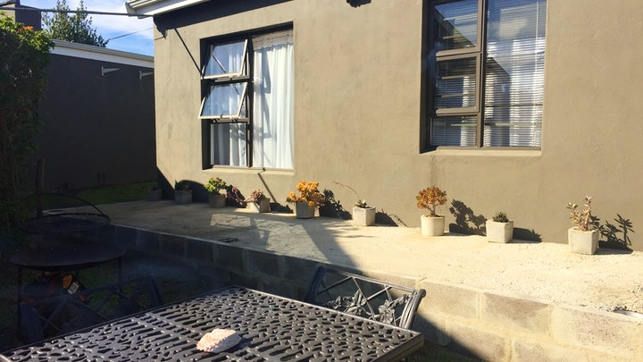 Caledon Accommodation at Zooop Guest House | TravelGround