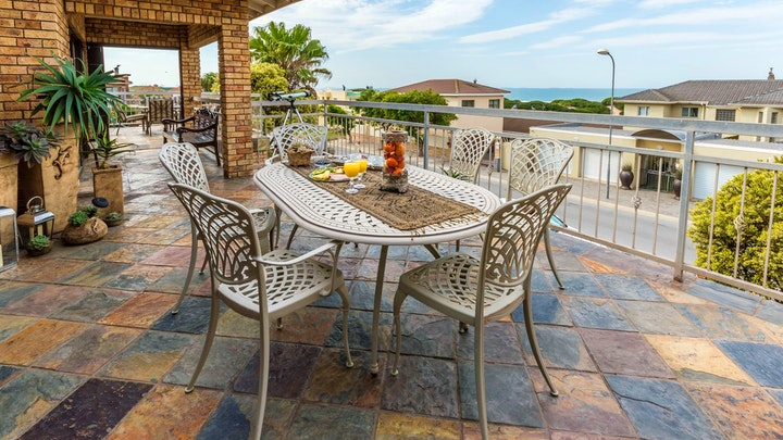 Bluewater Bay Accommodation at Nautilus Guesthouse | TravelGround