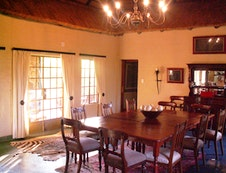 Diningroom in main area