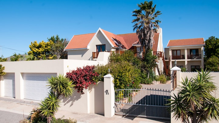 Summerstrand Accommodation at Aloe Manna Self Catering Guest House | TravelGround