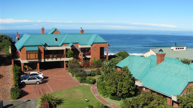 by Dolphin Dunes Guesthouse | LekkeSlaap