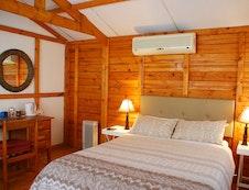 Vis Arend Bedroom