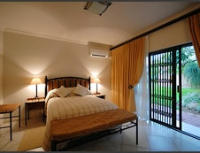 LUXURY ROOM IN GUEST HOUSE