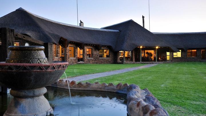 at Wag-'n-Bietjie Bush Lodge | TravelGround
