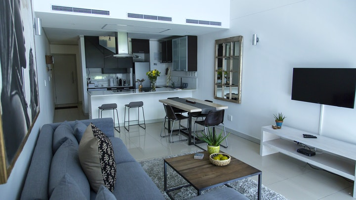 Claremont Akkommodasie by The Quadrant Penthouse Apartment | LekkeSlaap